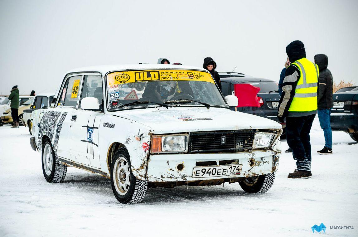 В Магнитогорске прошли соревнования по дрифту на льду